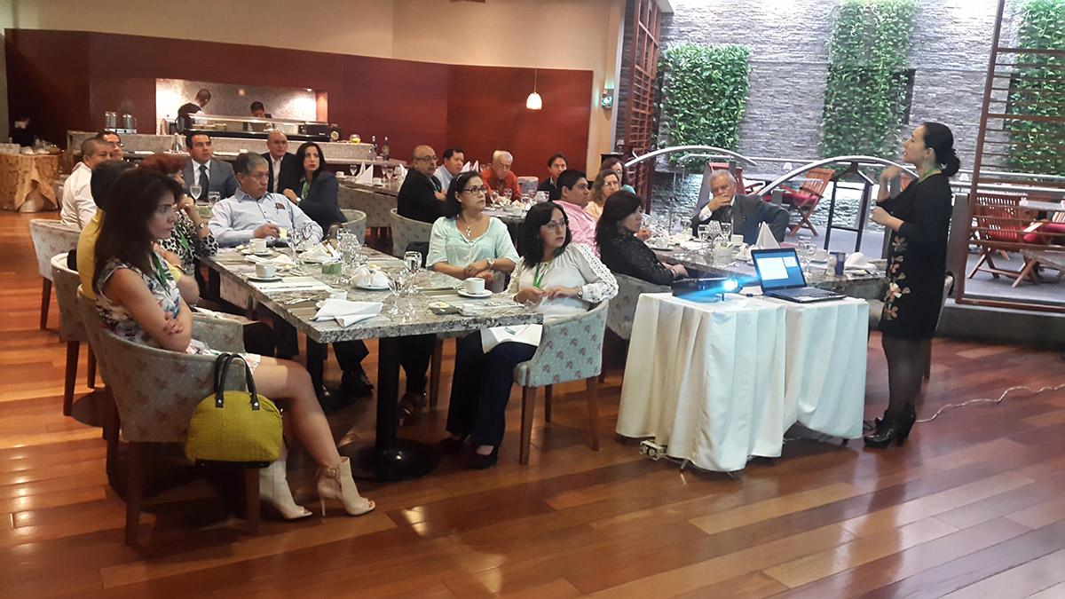 curso-internacional-de-osteoporosis-2015-guayaquil-03