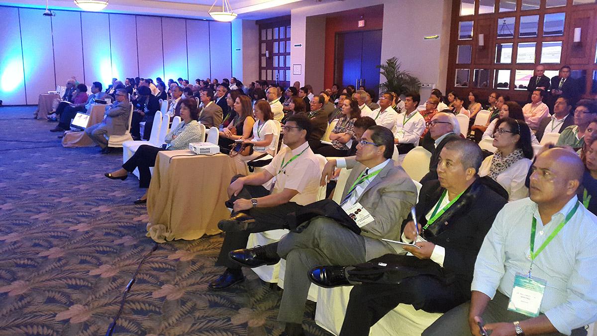 curso-internacional-de-osteoporosis-2015-guayaquil-04